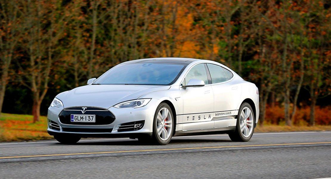 Sähköautojen myynti kasvaa