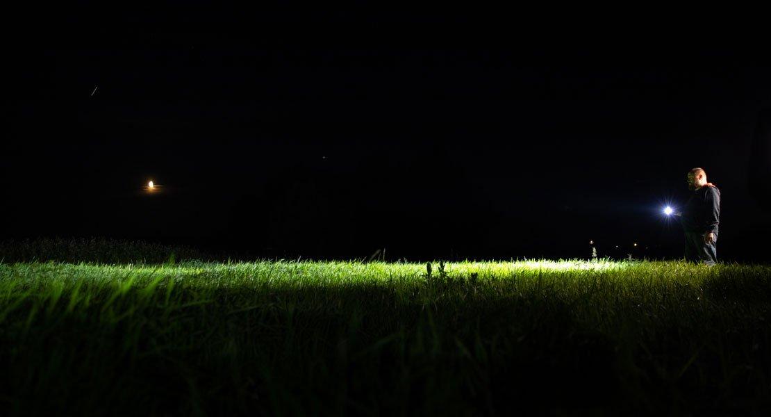 Valoa pimeneviin iltoihin